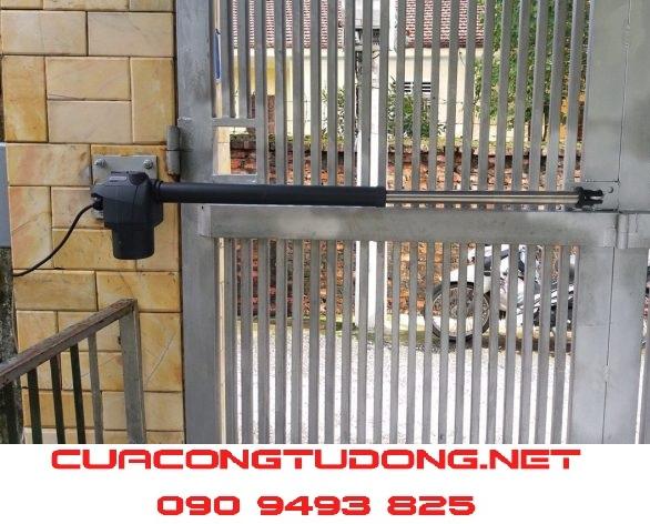 cửa cổng mở cánh tự động beninca thực tế